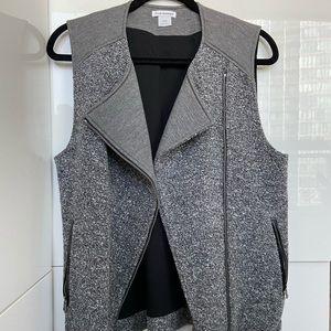 Club Monaco Vest in grey tones